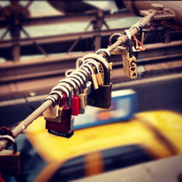 #newyork #locks #taxi #cute #brooklynbridge #before #hurricane #sandy #missit  #bored #lovelocks #olympus