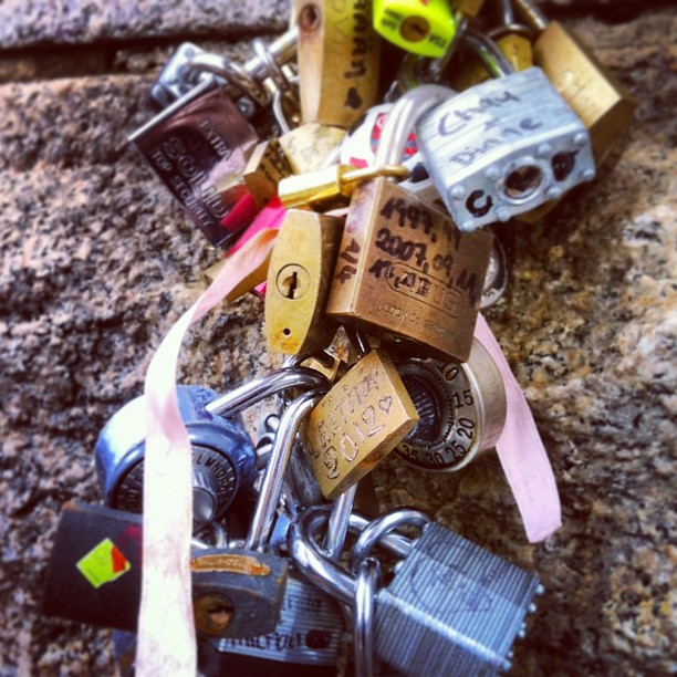 #love locks on the #brooklynbridge #NYC