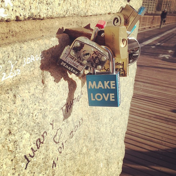 #love #lovelock #masterlock #makelovelocks #brooklyn #brooklynbridge #makelove