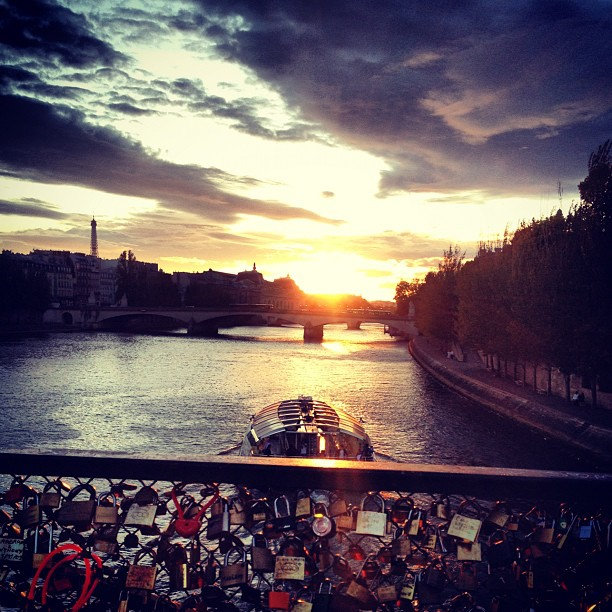 #paris#seine#sunset#lovelocks#beauty#france