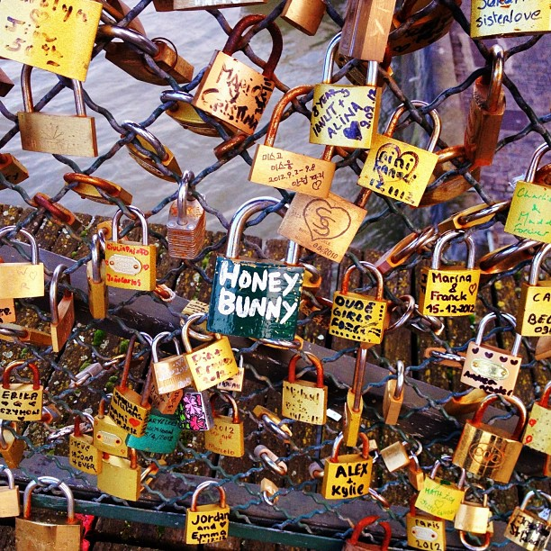 #lovelocks #paris