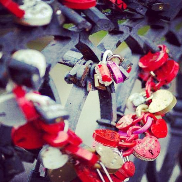 #lovelocks #dublin #ireland #love #locks #cute #romance #padlock #couples #adorable