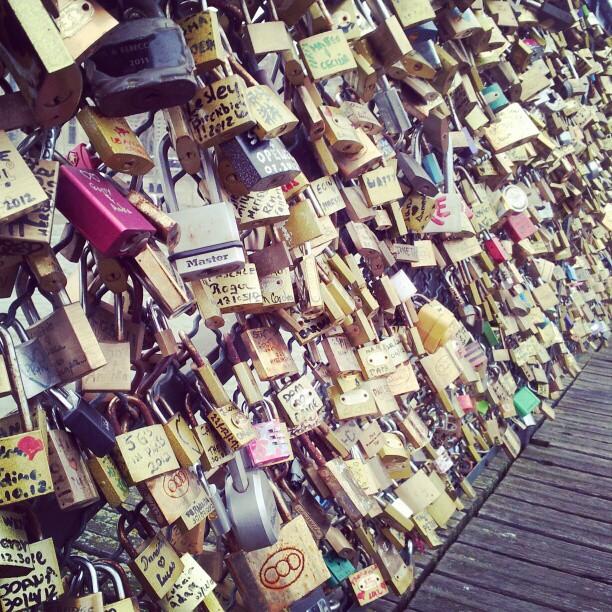 #lovelockbridge #paris