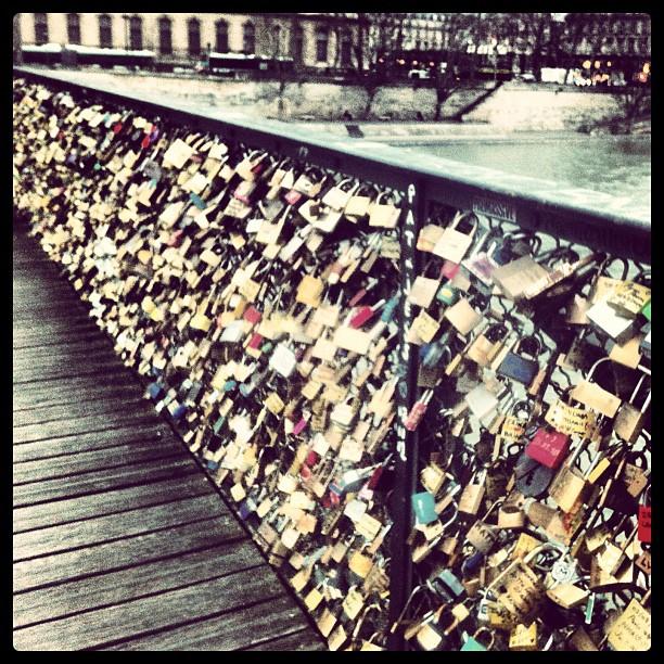 #lovelocks #paris #laseine