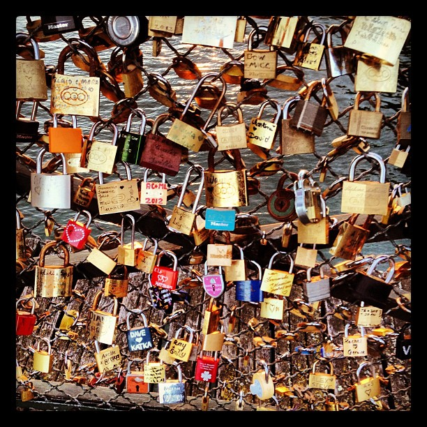 Search us.... Lovelocks # Seine