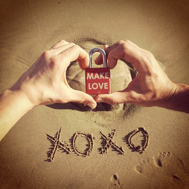 Make Love #makelovelocks #lovelocks #love #costarica #love #luv #beach #nosara #bikini