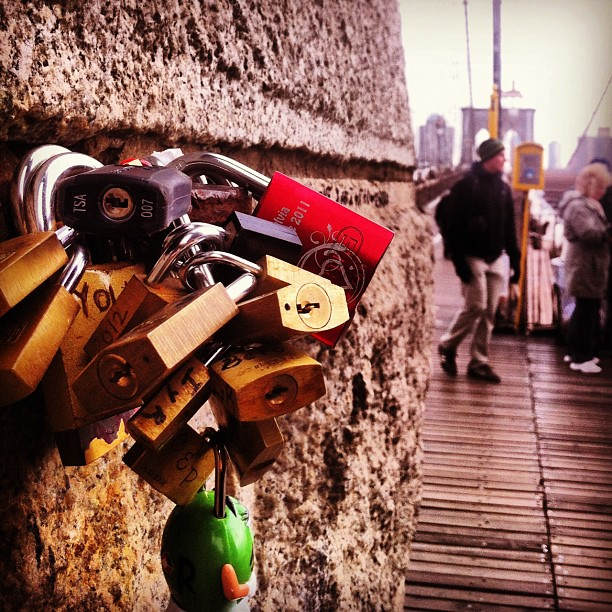 #padlock #brooklynbridge #nyc #bigapple #Christmas