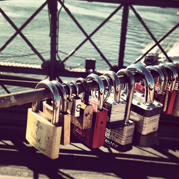 Walking_ 09 #nyc #brooklyn #brooklynbridge #bridge #lock #locks #engagement #love #walking #colors #instagram #instapic #instaimage #instagood #instapax #instadaily