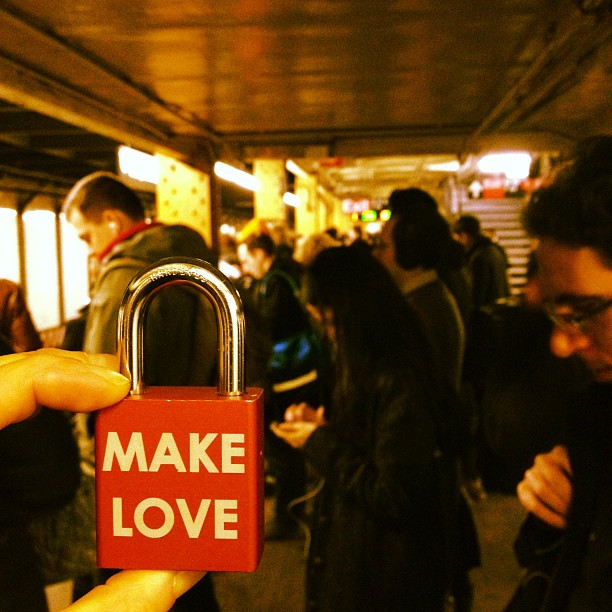 Make Love #makelovelocks #lovelocks #love #luv #luv #mta #nyc #ltrain #slow #llcooltrain