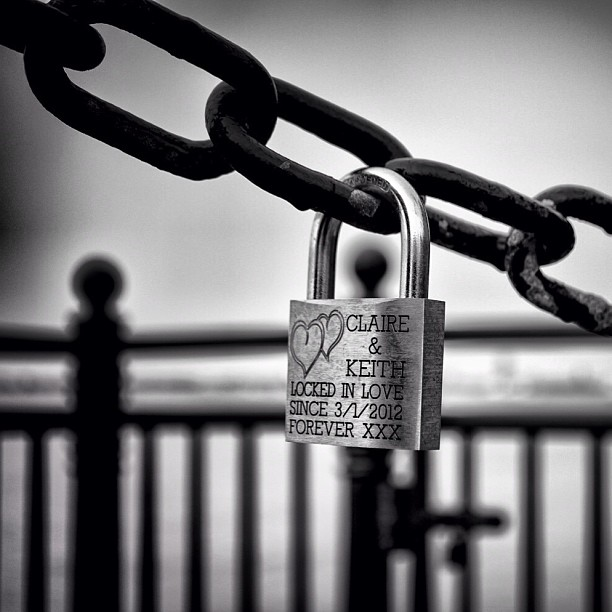 Clair and Keith locked in Love at the Albert Dock Liverpool #love #locks #locked #liverpool #lovelocks #makelovelocks #blackandwhite #chain #albertdock #nikon #d7000 #ig #instagram #together
