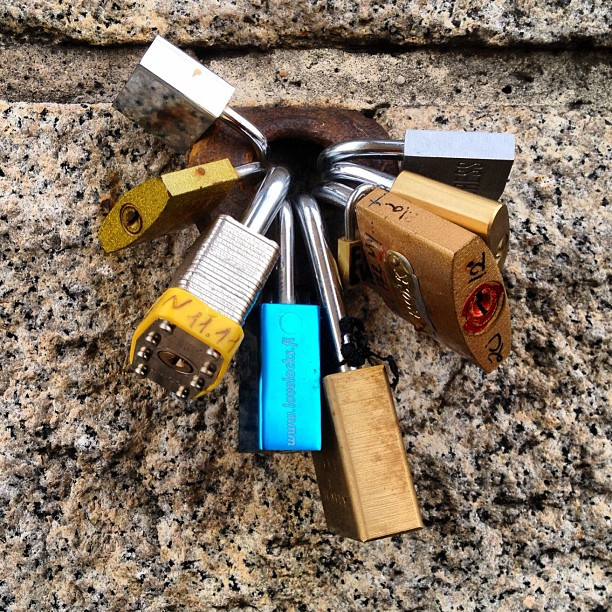 secure #locks #brooklynbridge #nofilter