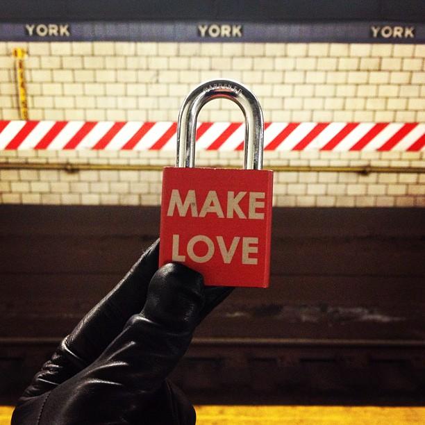Make Love #brooklyn #makelove #makelovelocks #love #lovelocks #subway #mta #travel #winter #follow #webstagram #photooftheday #commute #instamood #iphonesia #fashion #tbt #picoftheday #instadaily #instagramhub #beautiful #cool #thecools #instagood #travelandleisure #bestoftheday #webstagram #happy #wedding #makeyourmark
