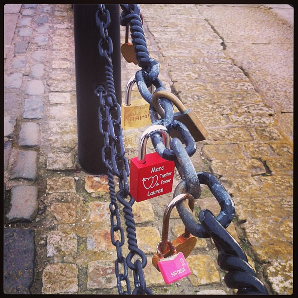 Love Padlocks - Albert Dock Liverpool - 100s of padlocks ❤
