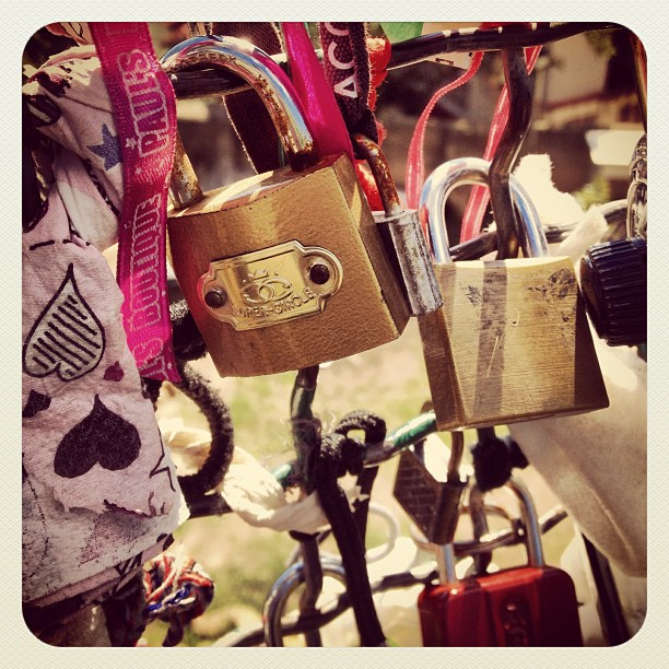 Padlock barcelona #parkgüell #lovelock #padlock #barcelona #españa #makelovelocks @makelovelocks