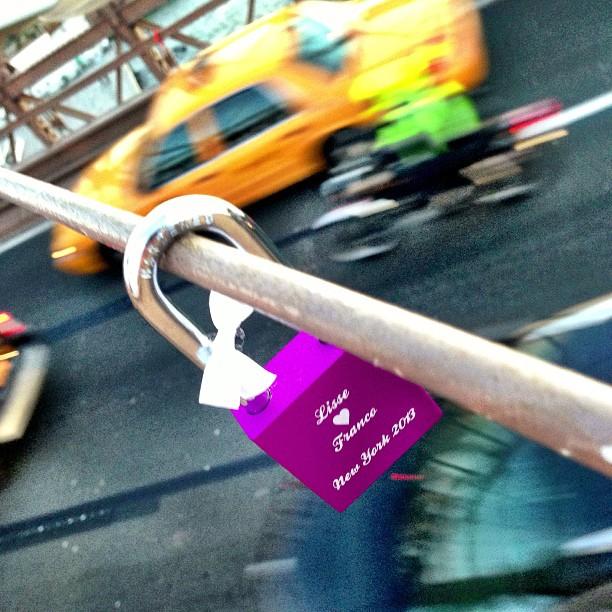 Love on Brooklyn bridge baby! ❤ #love #lovelocks #lovelock #lockitz #brooklyn #brooklynbridge #yellowcab #bridge #newyork #usa #city #tagsforlikes #instalove