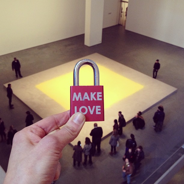 Make Love #makelove #makelovelocks #lovelocks #love #luv #moma #art #nyc #museum #tourist #pollenfromhazelnut #wolfganglaib #memories #engaged #visit #artporn #picoftheday #art #instahub #culture #travel #