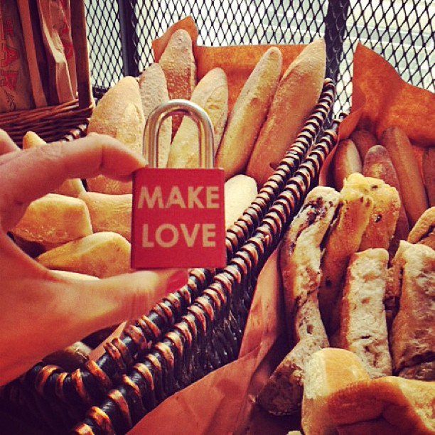 Make Love #nationalfrenchbreadday #baguette #foodporn #francophile #foodie #carbporn #makelove #makelovelocks #love #luv #memories #travel #french #paris #bake #party #picoftheday #pictureoftheday #instahub #instahungry #breakbread #family