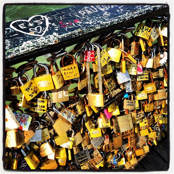 You and me II. #paris #pontdesarts #bridge #arts #pont #cadenas #locke #love #seine #eternity #momentoftheday #picoftheday #igersfrance #igers