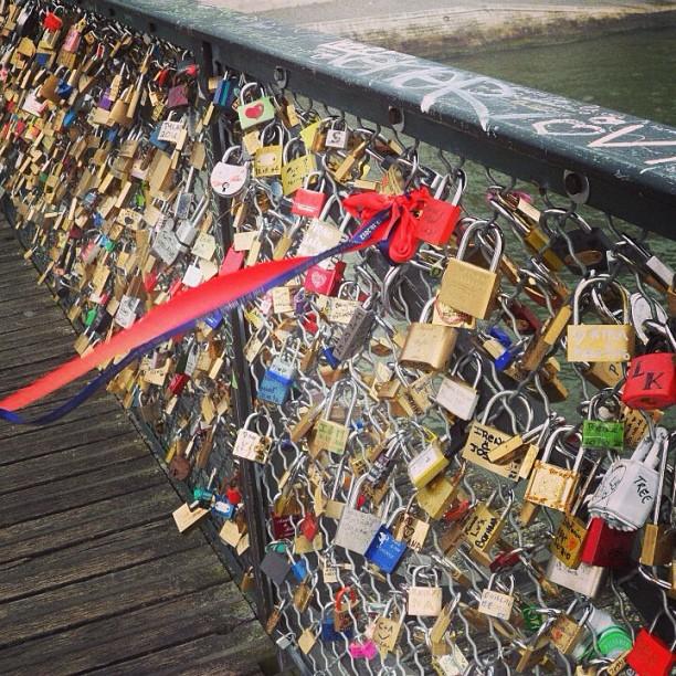 #pontdesarts #paris #lovelock #ribbon #knot our wedding ribbon left there 5 months ago :) ❤