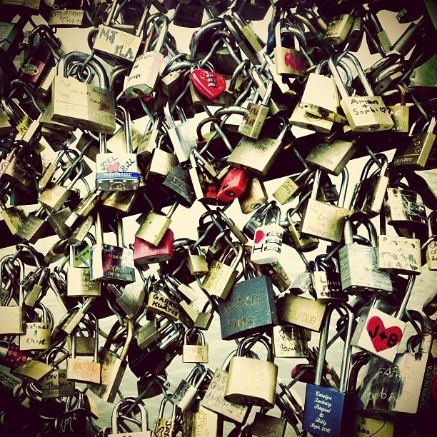 #lovelocks #paris
