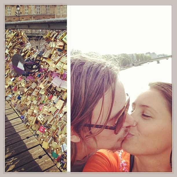Hur många har försökt såga loss ogenomtänkta lås ? #padlocks #plouard #bridge #seine #archbridge #lovelocks #MakeLoveLocks #romanticpicoftheday #river #fence #igers #pontdesarts #webstagram #lovehim #instalove #xoxo