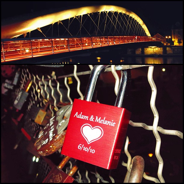 Love locked on a bridge in Krakow @thepartypunch #krakow #poland #laetusbernatekfootbridge #lovelock #makelovelocks @makelovelocks