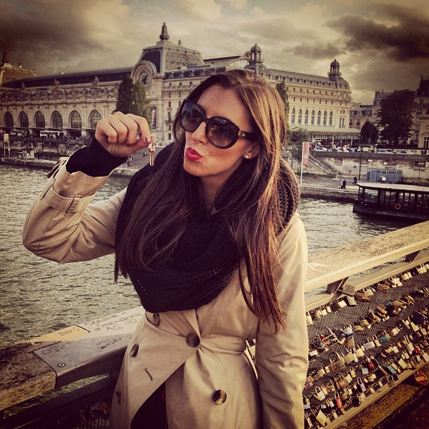 Tossing in the key! You know what that means.... #uhoh #lovelocks #paris #siene
