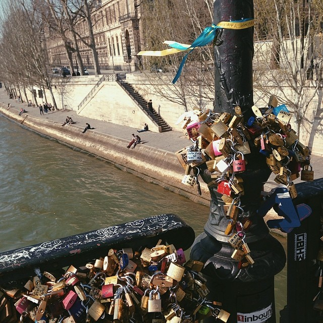 #vscocam #Paris #lovelock